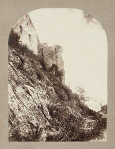 F.T., Chemin sous les ruines du château st Hippolyte à Crémieu, s.d. vers 1880-1890. Épreuve sur  papier albuminé, 40x30 cm. Coll. part.