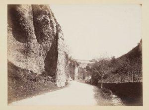 F.T., Chemin de Tortu près de Crémieu,  s.d. vers 1880-1890.  Épreuve sur  papier albuminé,  40x30 cm, Coll. part.