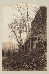 F.T. Falaise à Cremieu,  s.d. vers 1880-1890.  Épreuve sur  papier albuminé,  40x30 cm, Coll. part.