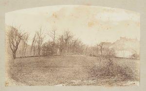 F.T., Crémieu, chemin de Chaillonette à Champrofond,  s.d. vers 1875.   Épreuve sur  papier albuminé,  20x26 cm. Coll. part.