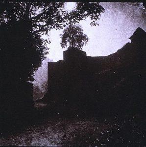 FAR. Tour Ste Jeanne de Chantal à Crémieu, négatif papier, 18x18,3cm, col.part