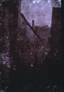 FAR. Crémieu, Porte Quirieu, négatif papier, 25,2x16,2, col. CBT