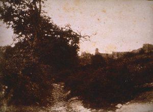 F.A. Ravier, Crémieu, chemin du chateau St Hippolythe, positif papier salé. 13x17cm, coll.part